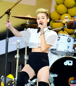 Miley_Cyrus_performs_her_hit_songs_on_Jimmy_Kimmel_Live_in_Hollywood-3-914x1024