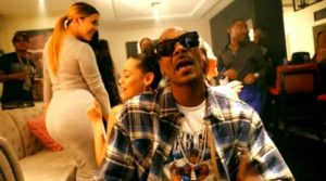 snoop-dogg-kill-em-wit-the-shoulders-ft-lil-duval_9449040-0917_1800x945